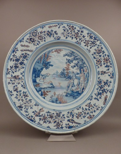 Large Nevers earthenware dish from the 17th century - Porcelain & Faience Style Louis XIV