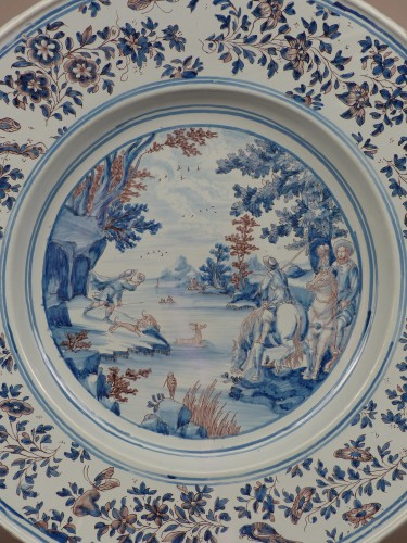 Porcelain & Faience  - Large Nevers earthenware dish from the 17th century
