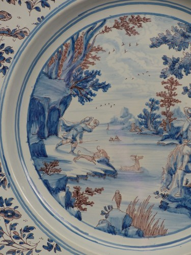 Large Nevers earthenware dish from the 17th century - Louis XIV