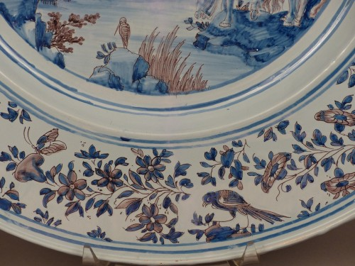 Antiquités - Large Nevers earthenware dish from the 17th century