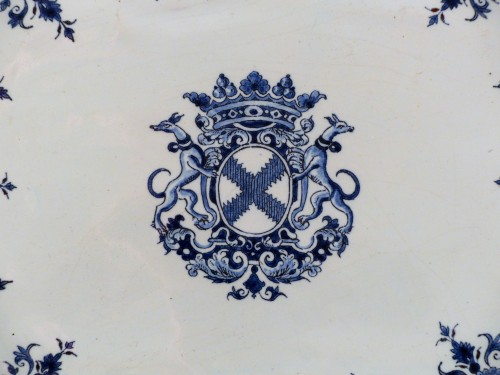 Faïence dish from Rouen 1st half of the 18th century - Porcelain & Faience Style French Regence