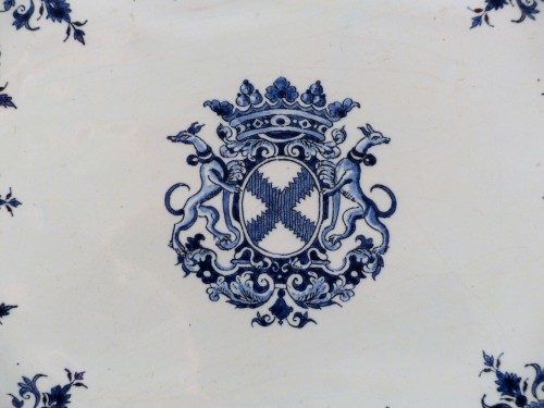 Faïence dish from Rouen 1st half of the 18th century -