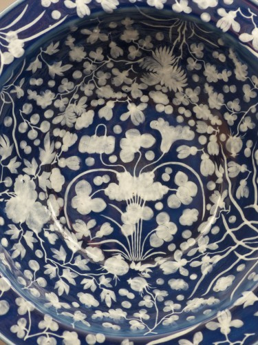 Porcelain & Faience  - A large Chinese porcelain basin from the late 17th century