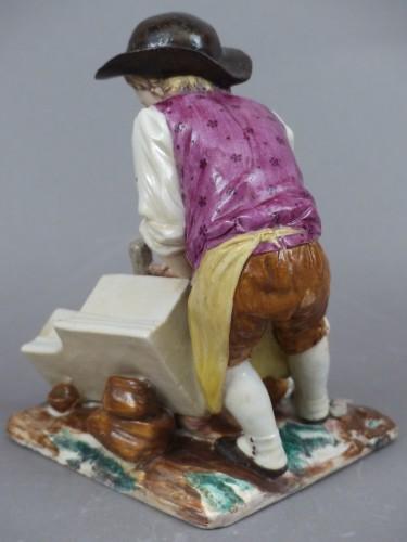 Statuette in hard porcelain from Strasbourg, signed Joseph Hannong, 18th century -