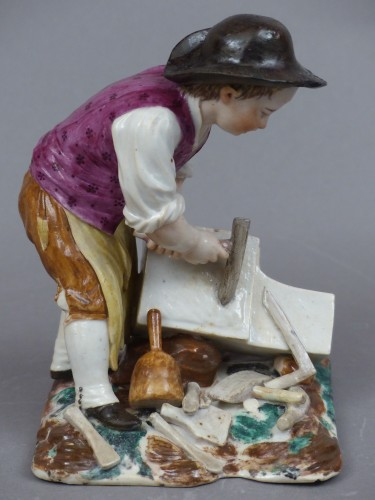 18th century - Statuette in hard porcelain from Strasbourg, signed Joseph Hannong, 18th century