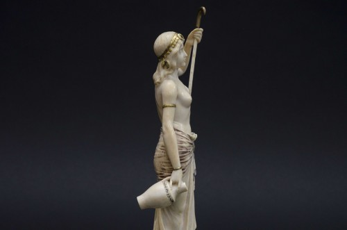 The water bearer - Ivory sculpture, France late 19th century - Napoléon III