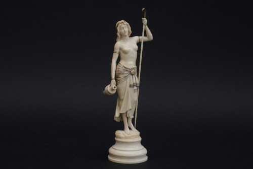 Napoléon III - The water bearer - Ivory sculpture, France late 19th century