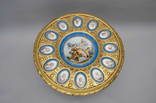 19th century - Gueridon table in gilt wood and porcelain