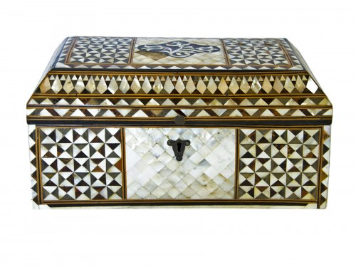 Wood and mother of pearl Box - Turkish Work