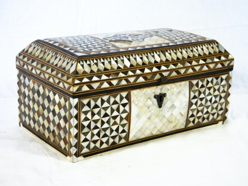 Wood and mother of pearl Box - Turkish Work - Decorative Objects Style