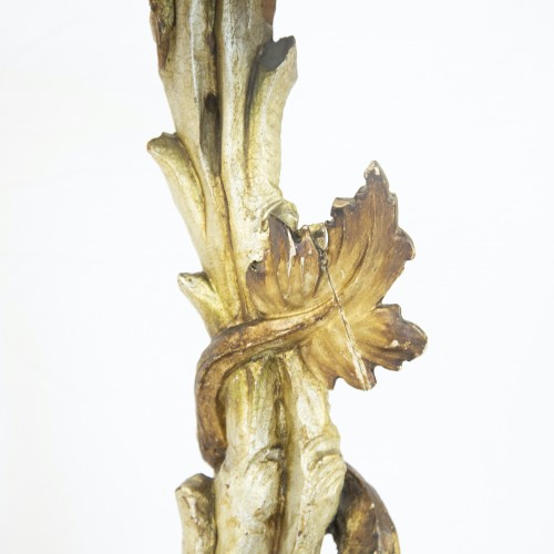 19th century - Side table with sculpted Seahorse