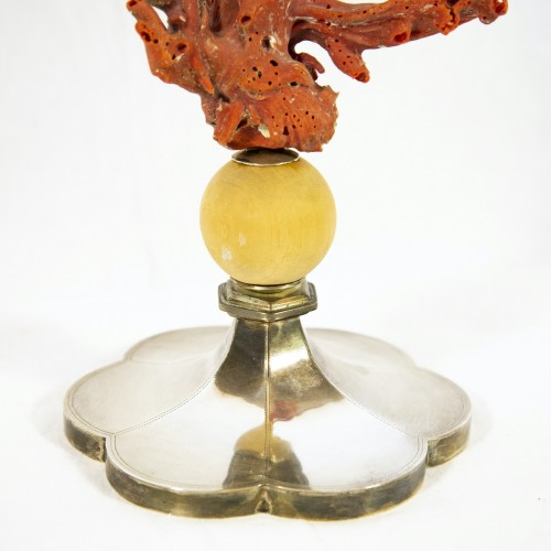 Curiosities  - Mounted coral on Antic pedestal