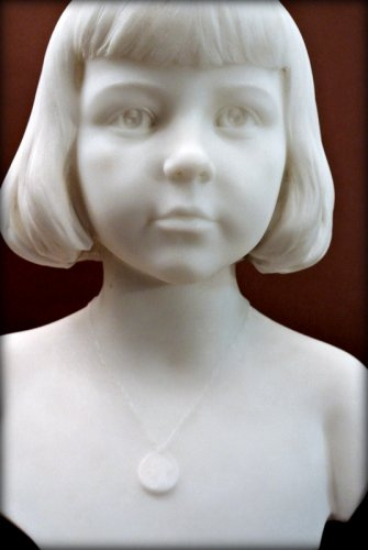 Sculpture  - Marble bust of a young child - Augustin LESIEUX