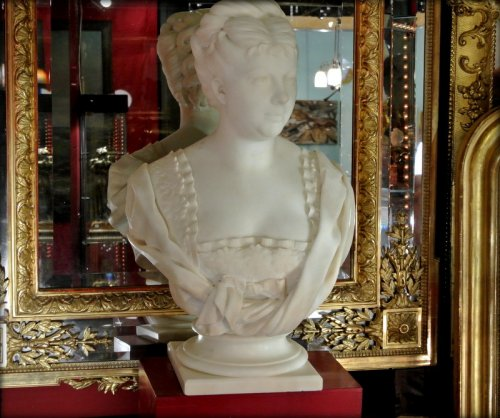 Antiquités - White marble bust signed h icard
