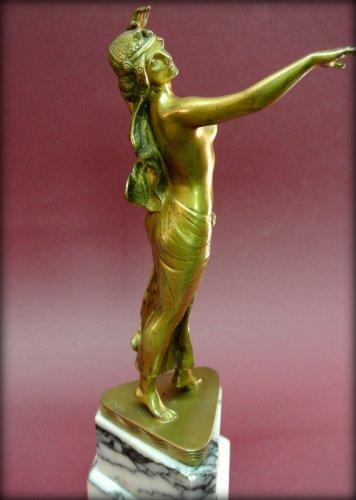 Sculpture  - Bronze danser in art deco style signed morin