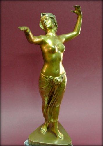 20th century - Bronze danser in art deco style signed morin