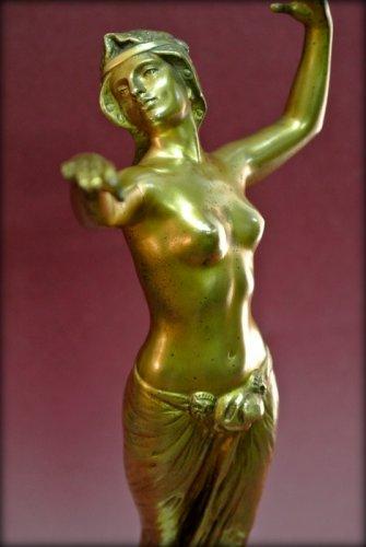 Antiquités - Bronze danser in art deco style signed morin