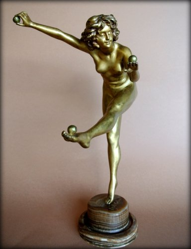 Sculpture  - The juggler - Claire Jeanne Roberte Colinet (1880-1950)