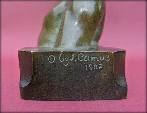 Statue signed j. camus - Art Déco