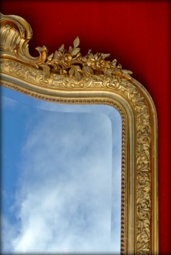 Antiquités - Large 19th century mirror with pediment