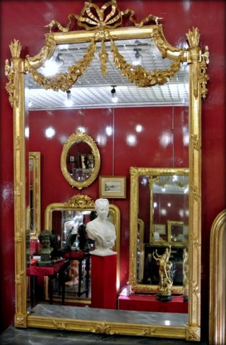 Mirror gilded with gold leaf, late 19th century -