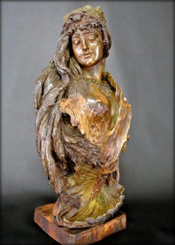 Bust terracotta Art Nouveau style -