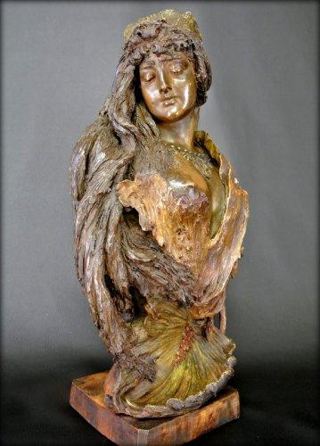 19th century - Bust terracotta Art Nouveau style