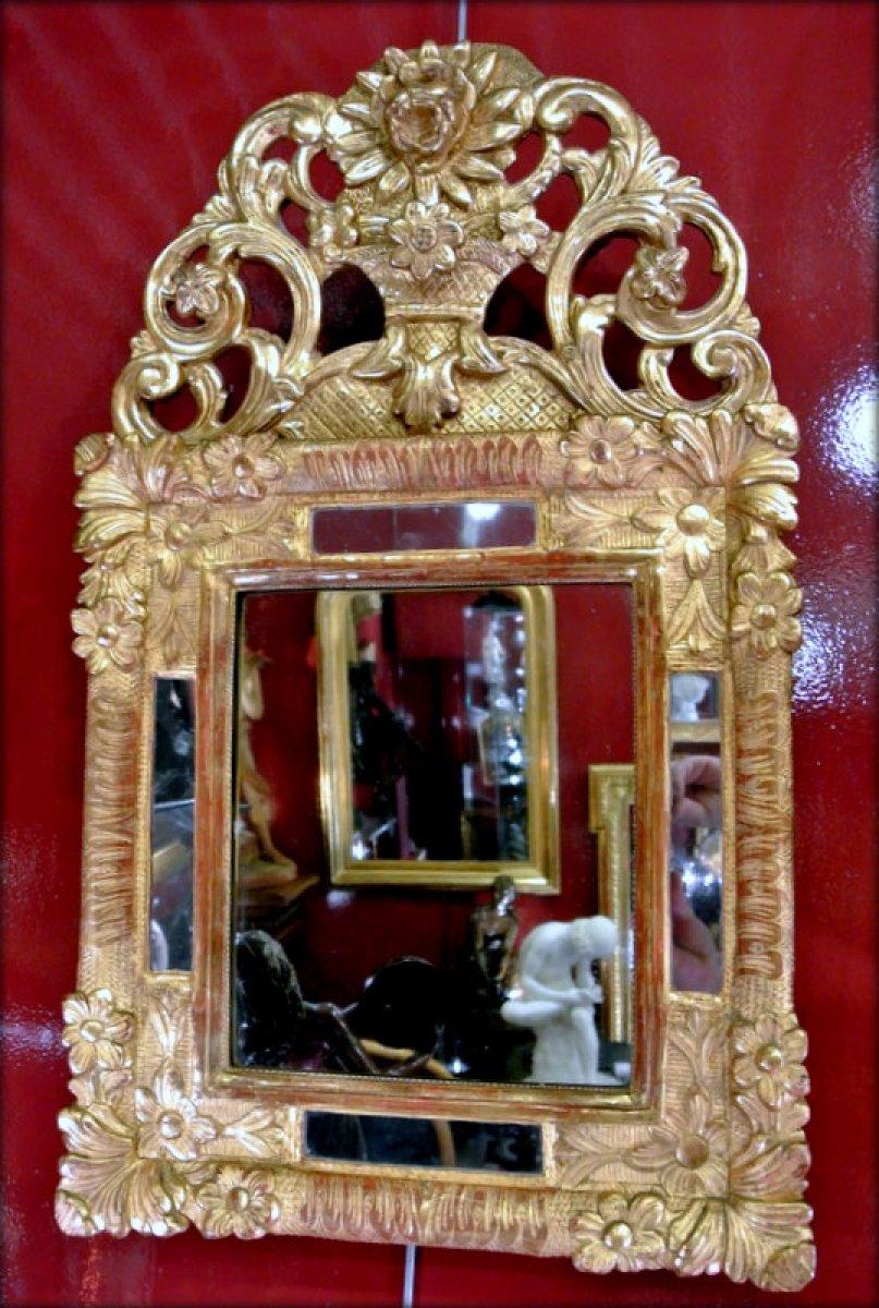 petit miroir en bois dor xviiie si cle. Black Bedroom Furniture Sets. Home Design Ideas