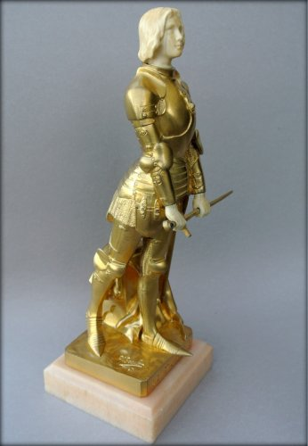 Joan of Arc in armor by Georges SAULO - Sculpture Style Art Déco