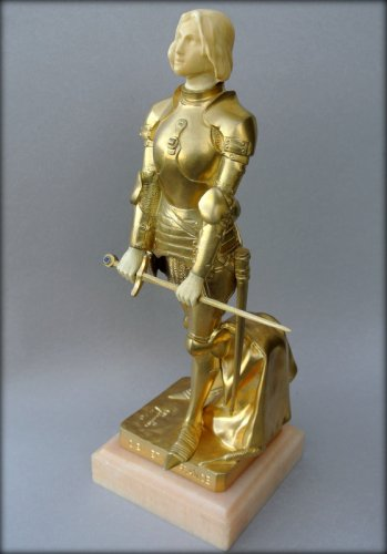 Sculpture  - Joan of Arc in armor by Georges SAULO