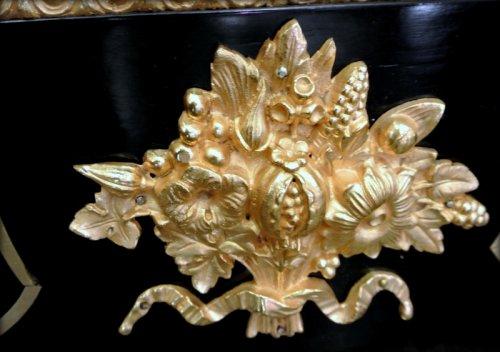 Antiquités - furniture of the 19th century
