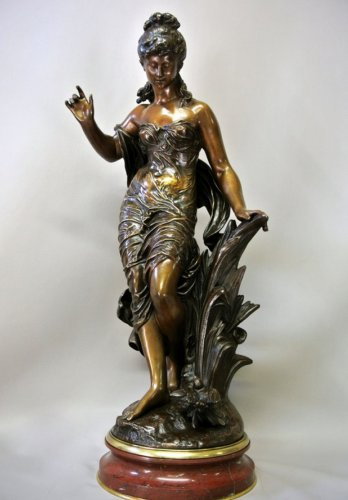 """Bronze figure """"Young woman with bird"""" signed MOREAU"""