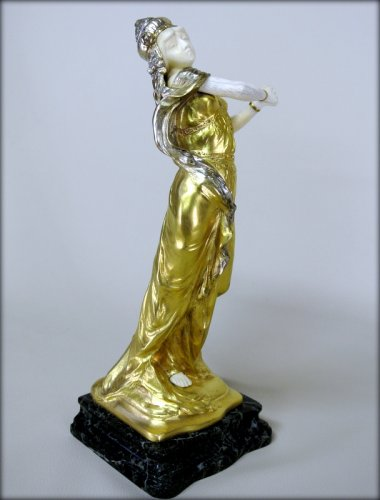20th century - Statue Art-Nouveau signed TH. SOMME