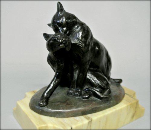 "Sculpture  - ""Two cats"" bronze of Louis RICHE"