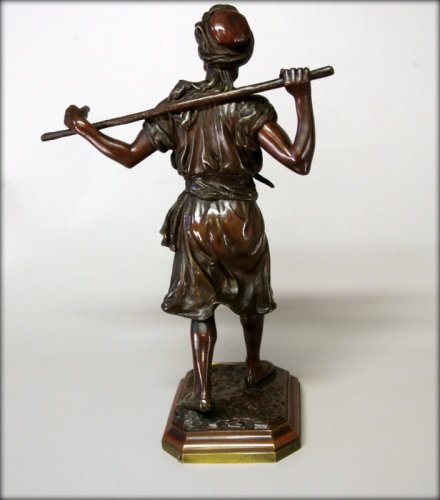 Orientalist statuette in bronze signed PINEDO -