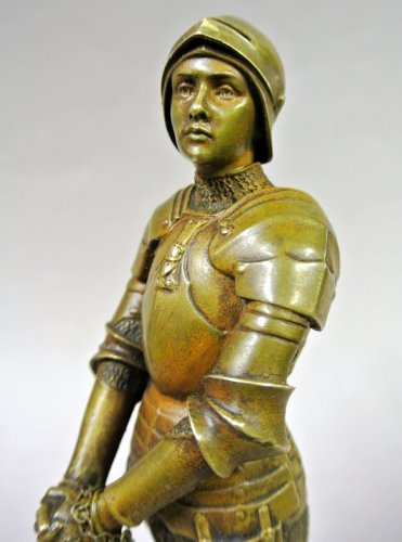 "Antiquités - ""Jeanne d'Arc prisoner"" statuette signed Barrias"