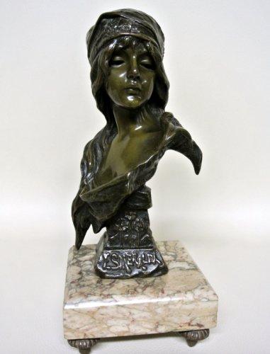 """Esmeralda bust signed  VILLANIS """"Esméralda"""" - Sculpture Style Art nouveau"""
