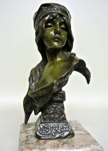 """Art nouveau - Esmeralda bust signed  VILLANIS """"Esméralda"""""""