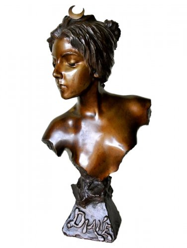 Bronze bust - E. VILLANIS (1858 -1914)