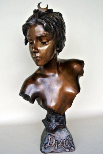 Art nouveau - Bronze bust - E. VILLANIS (1858 -1914)