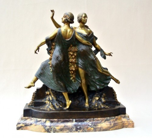 20th century - Art-Nouveau statue signed J D Guirande ( Joe Descomps)