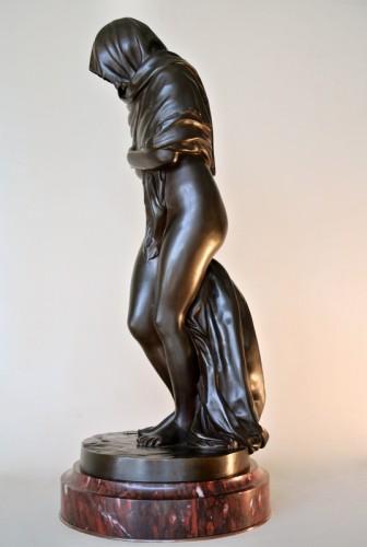 "19th century - ""La Frileuse"" Bronze figure after Houdon"
