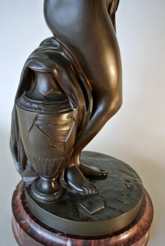 """Antiquités - """"La Frileuse"""" Bronze figure after Houdon"""