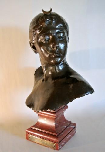 """""""Diane Chasseresse"""" by Alexandre Falguière - Sculpture Style Art nouveau"""