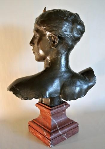 """Sculpture  - """"Diane Chasseresse"""" by Alexandre Falguière"""