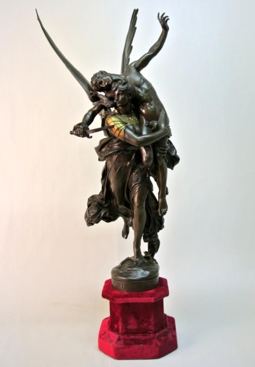 Handmade European Bronze Sculpture Signed Gloria Victis By