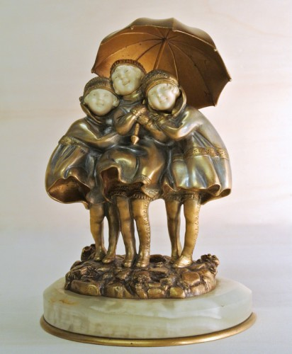 """20th century - """"Girls with umbrella """" by D. H.Chiparus (1886/1947)"""