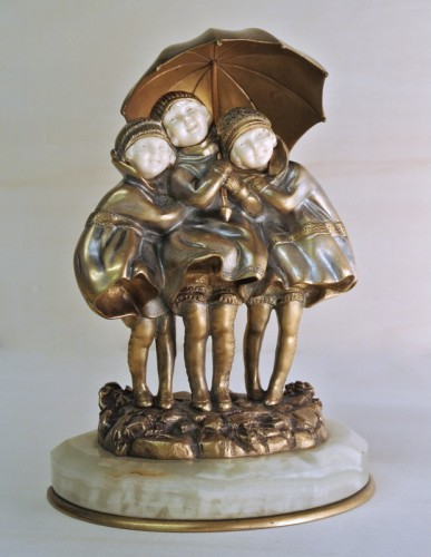 """""""Girls with umbrella """" by D. H.Chiparus (1886/1947) - Art Déco"""
