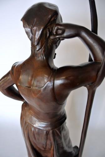 Antiquités - The Faneuse - Alfred Boucher (1850-1934)