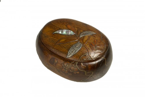 A Japanese paulownia wood sweet box